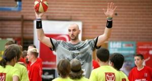 Marcin-Gortat-Camp