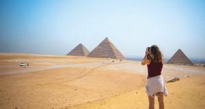 pyramid-2262728-copy-696x464
