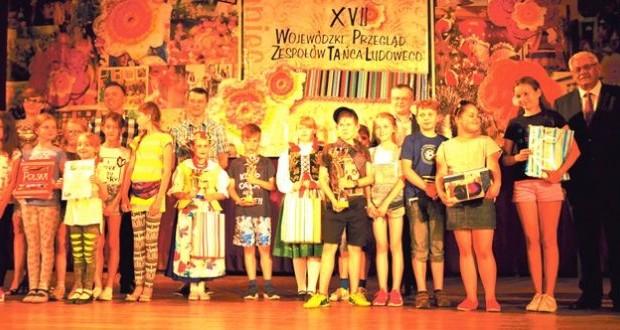 XVII-Wojewódzki-Przegląd-Zespołów-Tańca-Ludowego-10-696x330