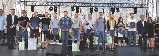Wlodawscy-sportowcy-wyroznieni-1-copy-696x221