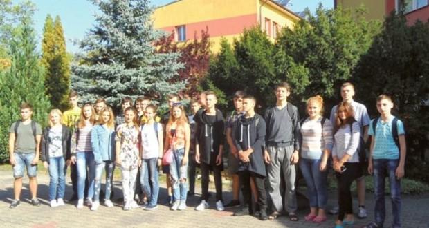 młodzi-ukraincy-w-modrzaku1-copy-696x425